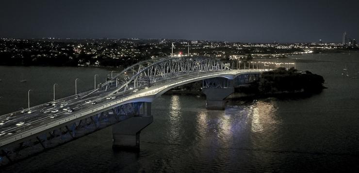 Auckland Harbour Bridge - path