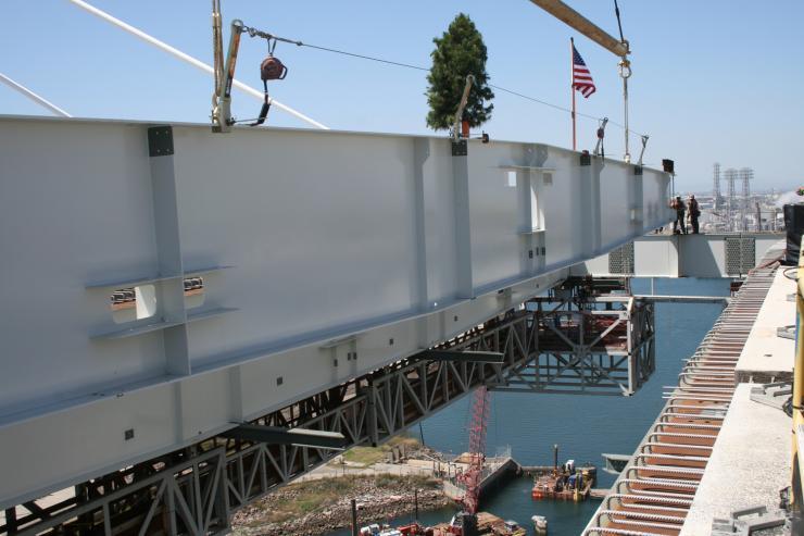Gerald Desmond Bridge - final beam being placed