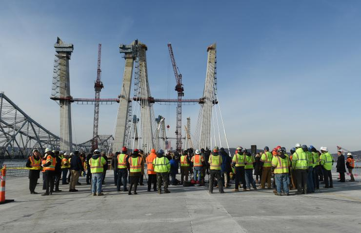 New NY Bridge topping out