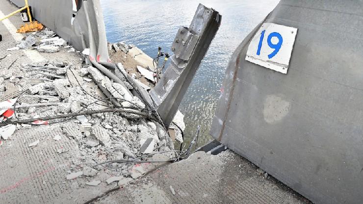Tappan Zee crane collapse damage