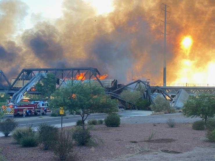 Bridge in Tempe - derailment and fire