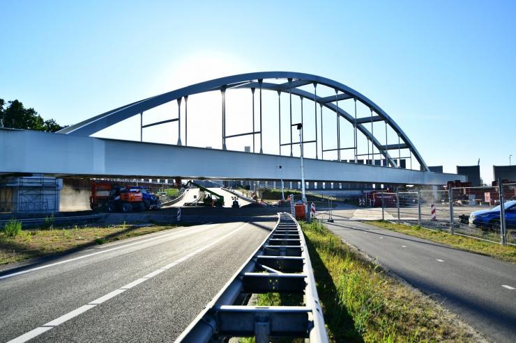 Port of Rotterdam - arch bridge